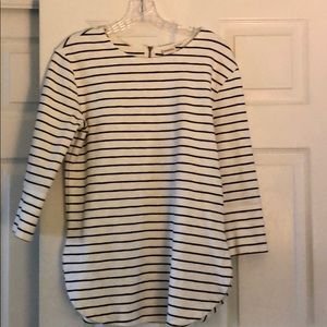 3/4 sleeve length navy and white striped shirt